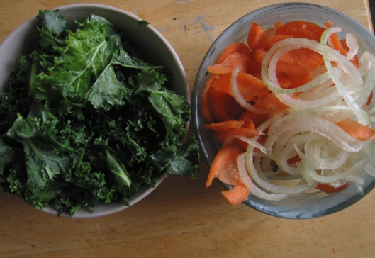 kale- carrot- onions. Eating my colours :-)